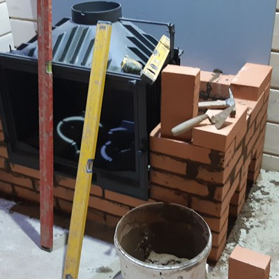 Произведена установка каминной топки Invicta под отделку